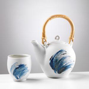 NEWMAN Veronica - Théière et vague bleue